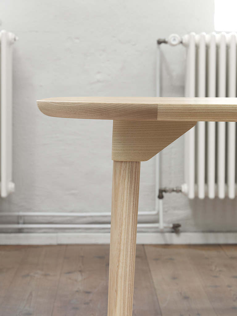 SAM dining tables, Note Studio for Fogia