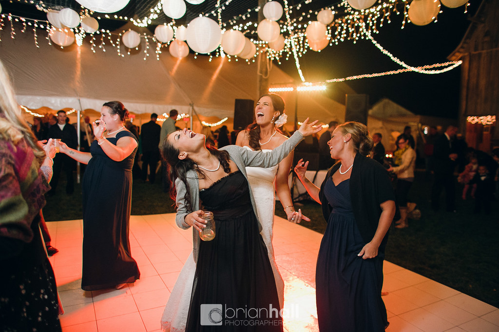 White Dance Floor Rental for Weddings and Events | Unique Events of IA