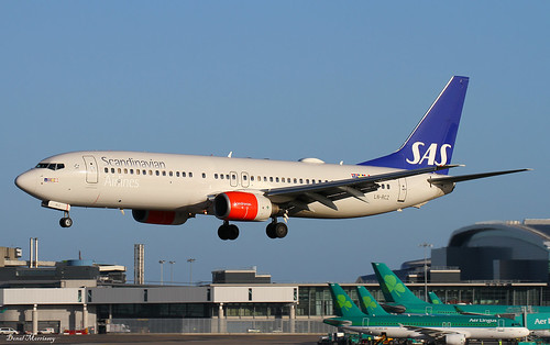 B738 - Boeing 737-883