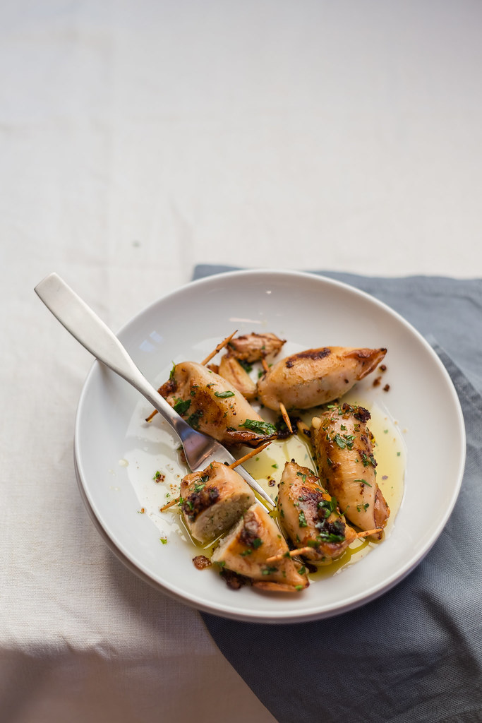 Stuffed squids with bread and pine nuts