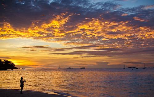 sunset sea beach clouds 35mm thailand nikon f18 primelens kohlipe d5100