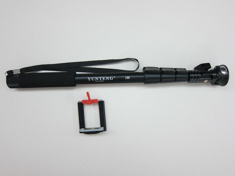 YunTeng Monopod Selfie Stick - Box Conents