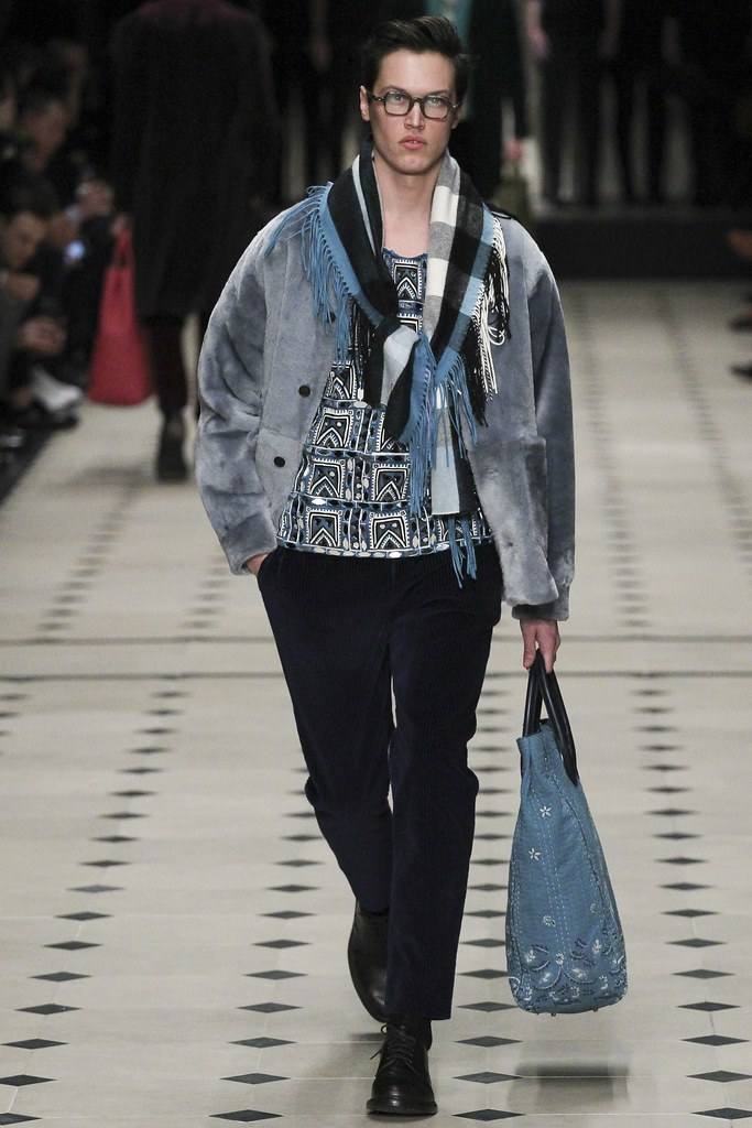 FW15 London Burberry Prorsum042_Stephen Smith(VOGUE)