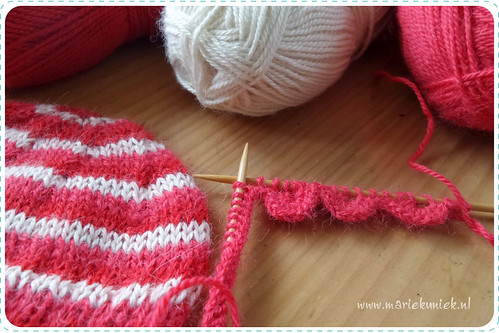 knitting a dollhat