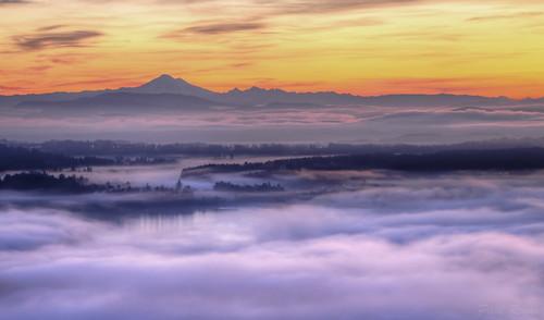 morning canada nature fog clouds sunrise dawn bc britishcolumbia vancouverisland daybreak brentwoodbay malahat prio saanichpeninsula