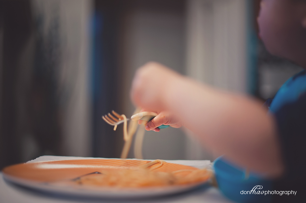 personal 365 - toddler eating spaghetti photography