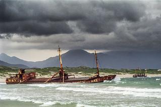 Navires marchands échoués, Fort Dauphin (Madagascar) 1997