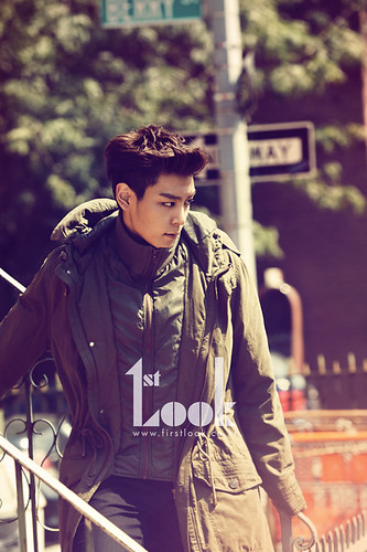 top_calvinklein-LOOK-Nov2011_12