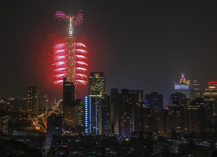 2015台北101跨年煙火!!!