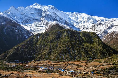 travel autumn nepal mountain snow color beautiful vertical trek landscape asia village view outdoor scenic vista remote annapurnacircuit annapurna pisang gandaki annapurnaconservationarea