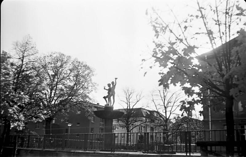 3. Oberschule - Brunnenfiguren - Berndhardstraße Dresden - Teanol