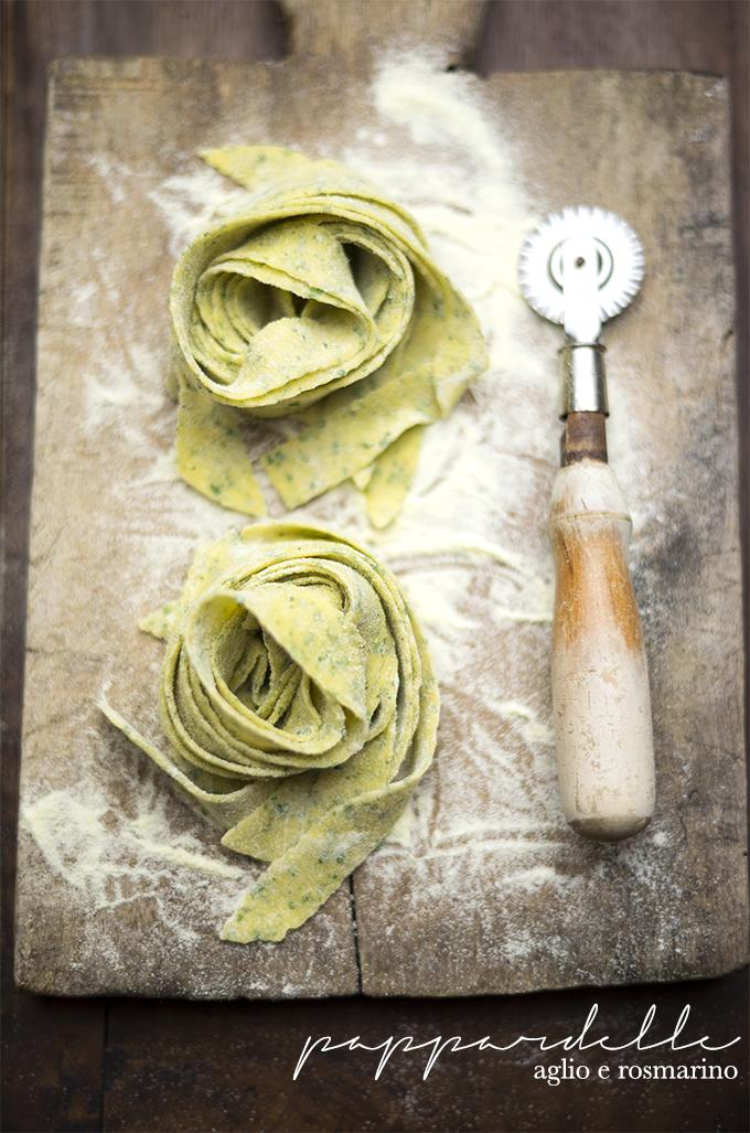 pappardelle aglio e rosmarino