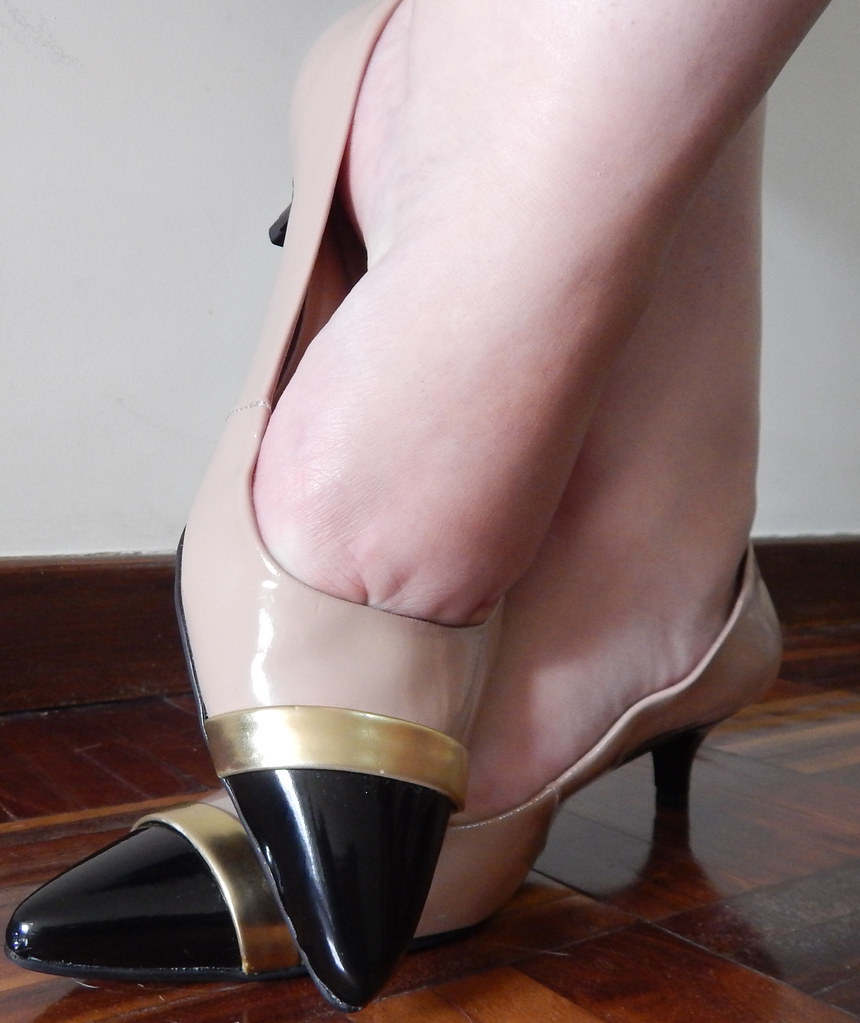 Sapato do dia: Verniz e salto baixo da Giulia Domna