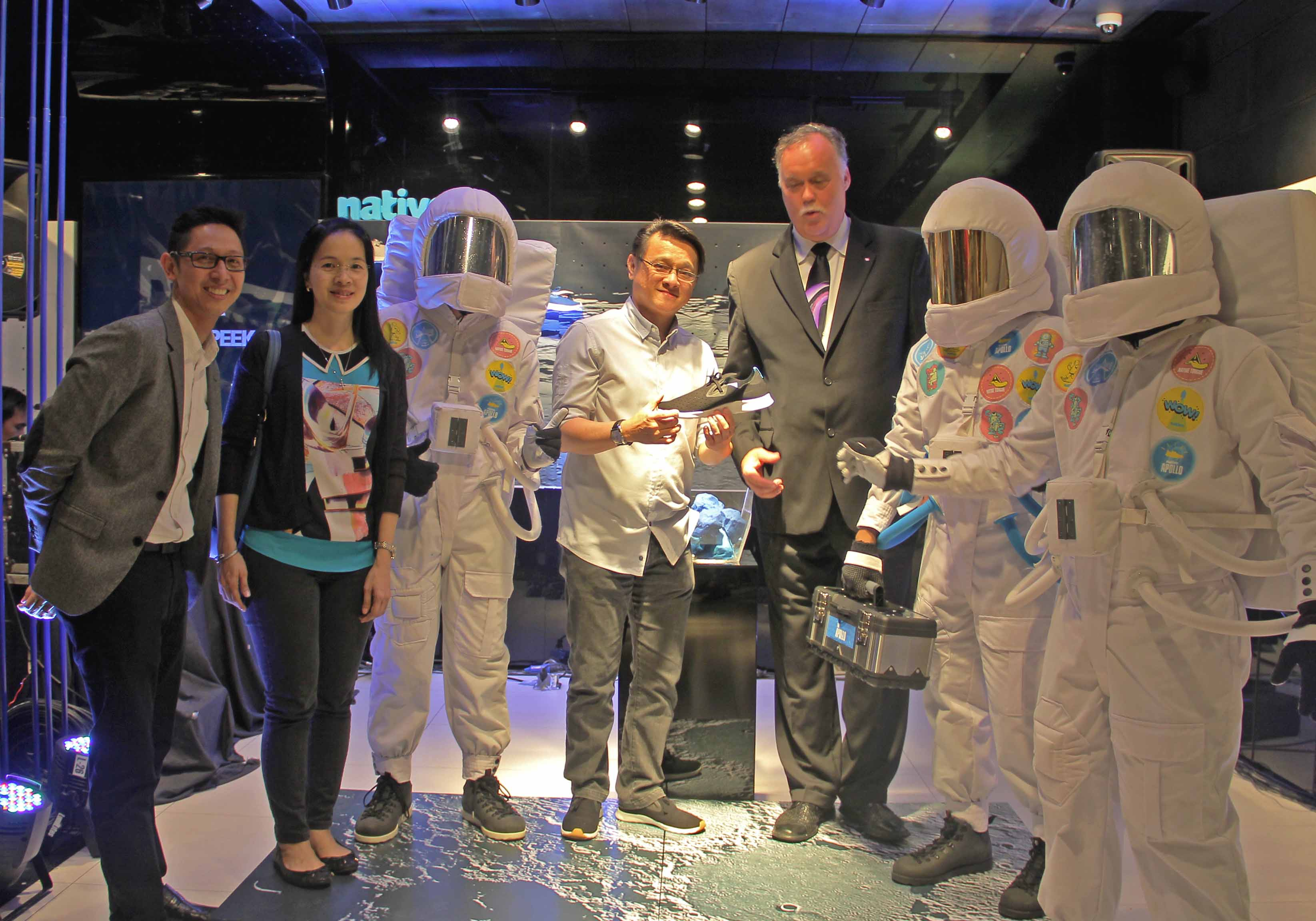 Primer's AVP & SBU Head Toti Wong,Ms Ruby Uy, PGII's Managing Director Toti Wong, and Canadian Ambassador Neil Reider witht the Native Apollo's Astronauts