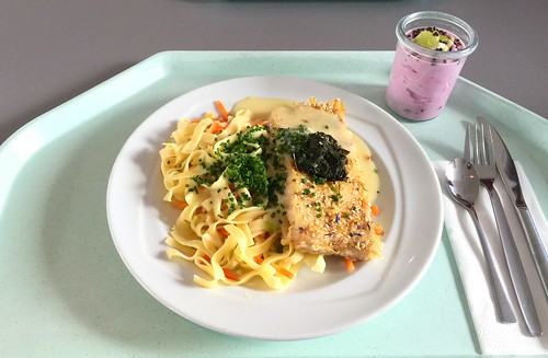 Hake with curry sesame crust, Tagliatelle & herb sauce / Seehecht in Curry-Sesamkruste mit Tagliatelle & Kräutersauce