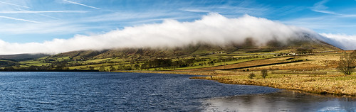 cloud black moss hill panoramic reservoir pendle