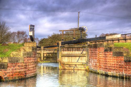 canal lock yorkshire waterway pocklington britishwaterways canonef24105mmf4lisusm pocklingtoncanal canoneos6d coateslock