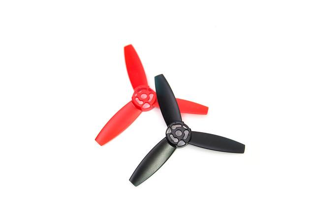 最好飛!高科技!四軸空拍機 Parrot Bebop Drone 開箱與試玩 @3C 達人廖阿輝