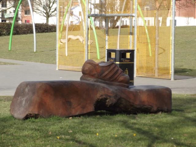 Shirley park playground wooden sculpture training