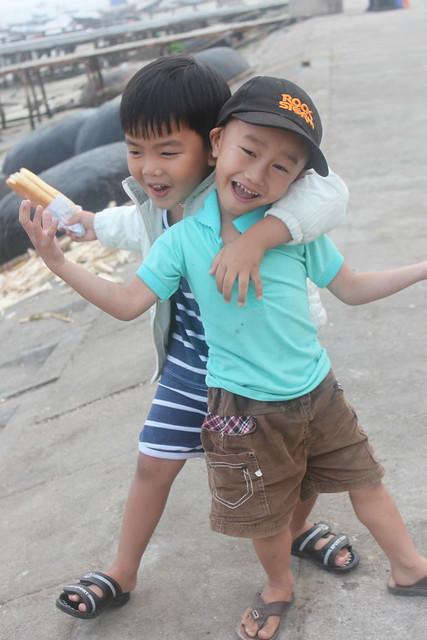20140314_1882-kids-Hoi-An