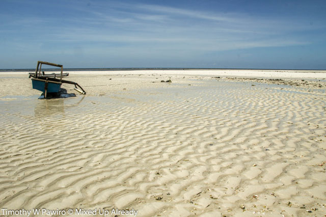 Indonesia - Sumba - Waingapu - Pantai Walakiri (Beach) - 05 - low tide