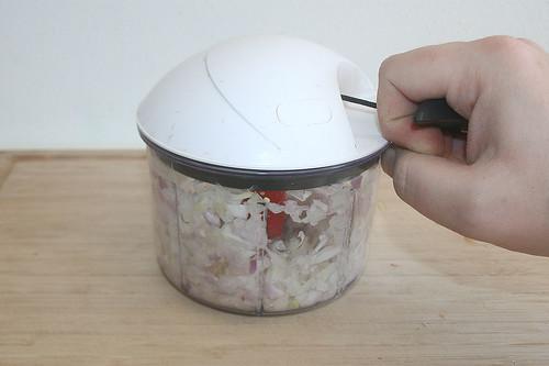 13 - Zwiebel würfeln / Dice onion