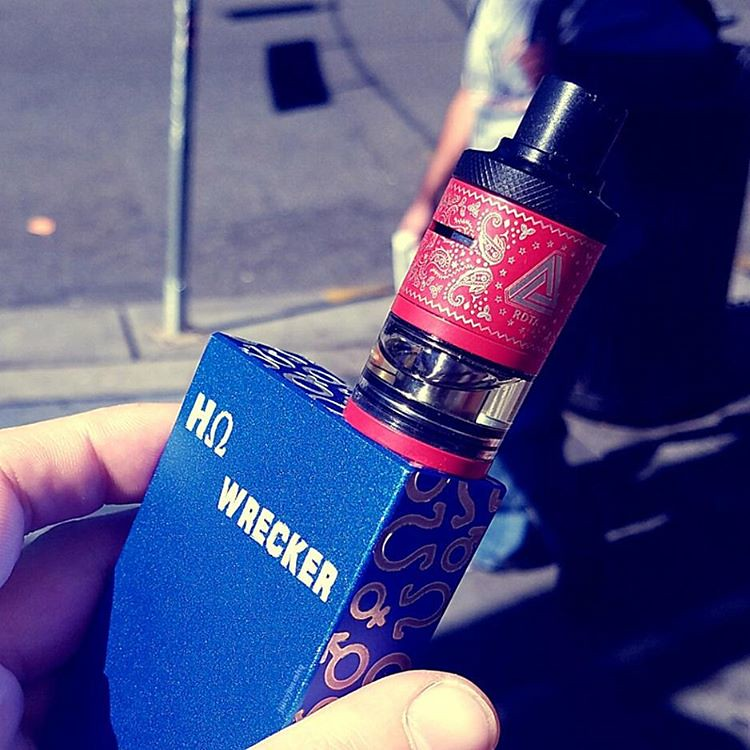 Out with the Limitless Plus RDTA on this beautiful day running errands. Have a great Day, #VAPEFAM! I------------------------ I @vaporandco Get yours at Vapor and Company! @ijoyglobal Limitless Plus RDTA @hohmtech Hohmwrecker G2 I-----------------