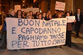 Noicattaro. Manifestazione di protesta contro le tasse front