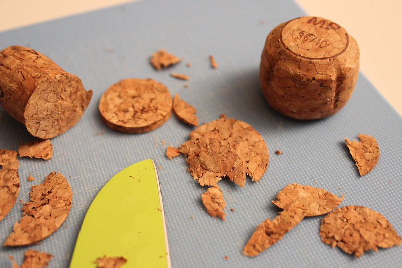 DIY wine cork magnets