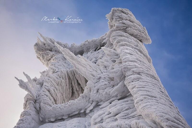 15419227793_4e29eb7e46_c Les magnifiques formations de glace du mont Javornik