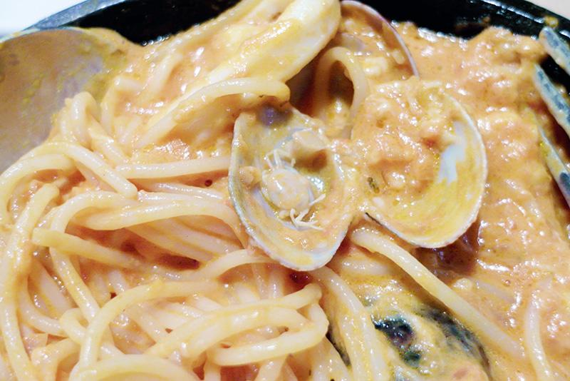 little crab in pasta