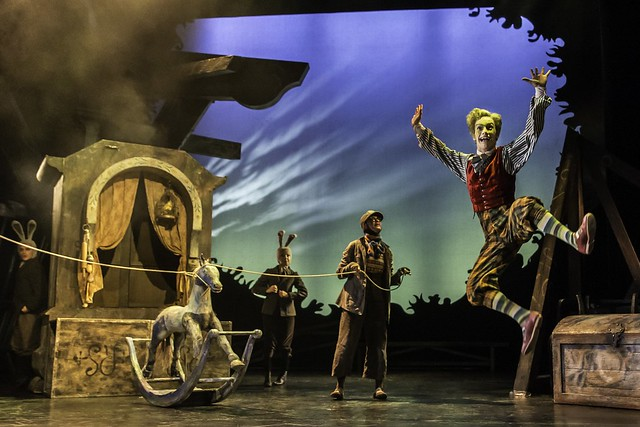 Cris Penfold and the cast of The Wind in the Willows at the Vauderville Theatre © ROH. Photographer Johan Persson, 2014