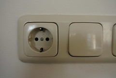 electronic device(0.0), power supply(0.0), multimedia(1.0), ac power plugs and socket-outlets(1.0), electronics(1.0),