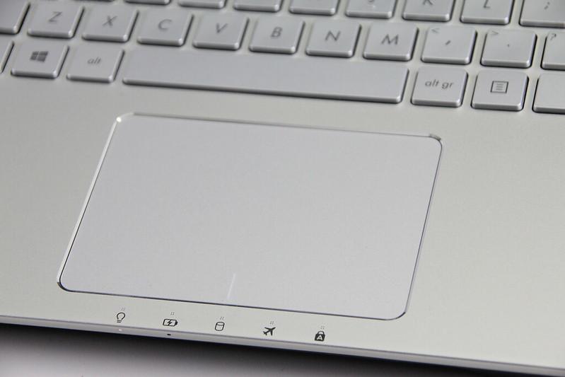 Thiết kế phong cách mới của N551JQ - 58996
