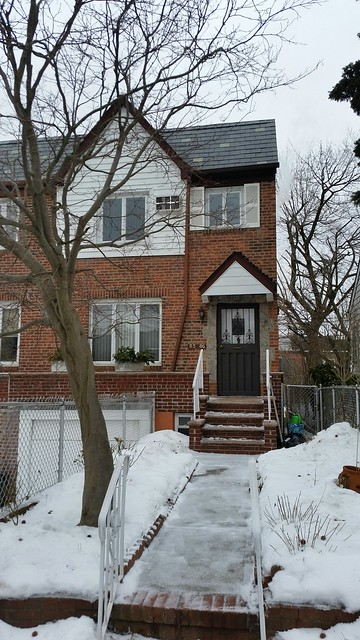 1 FAMILY REGO PARK  -Under Contract-