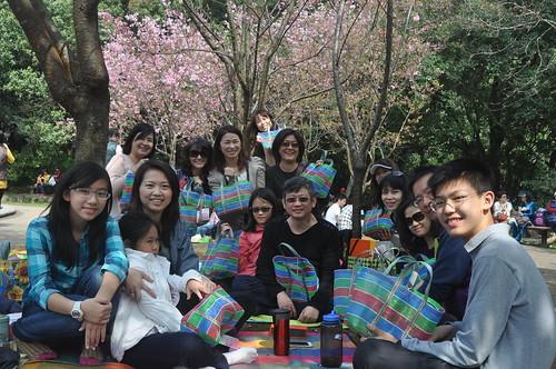 民眾到此一遊,可以購買花見便當,以及農村托特包。(圖片來源:台北市政府工程局公園處)