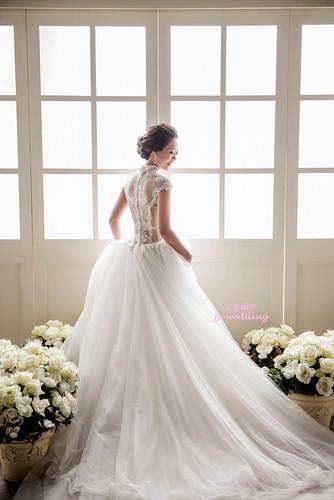高雄婚紗推薦_高雄京宴婚紗_年度婚紗禮服款式排行榜 (3)