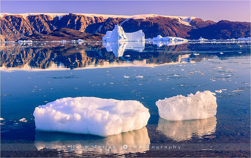 winter sunset snow mountains cold ice water canon landscape evening glow dusk glory arctic greenland rodeo fjord iceberg icebergs eastgreenland scoresbysund floydian canoneos1dsmarkiii henkmeijer rødeø kangertittivaq