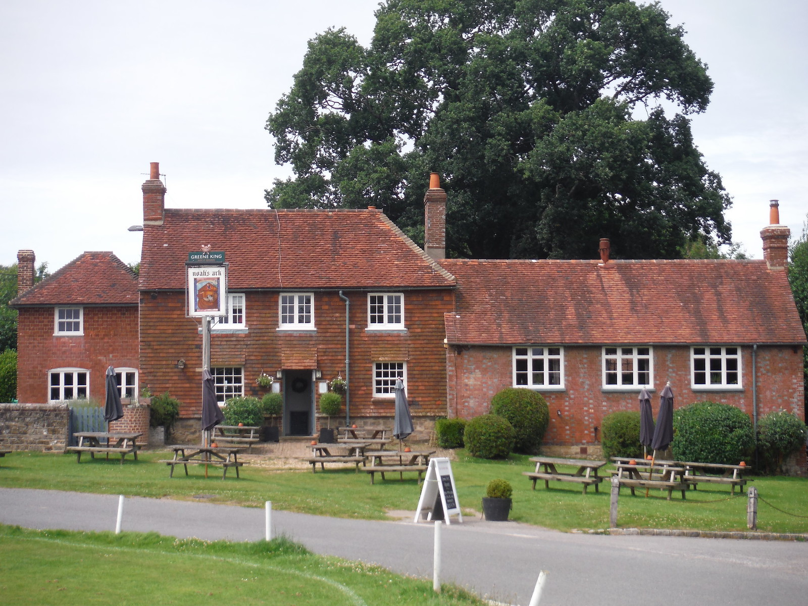 The Noah's Ark Inn, Lurgashall SWC Walk 48 Haslemere to Midhurst (via Lurgashall or Lickfold)