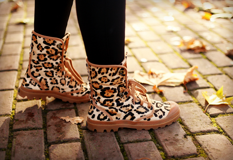baby it's cold outside, river blue accessories, faux fur coat, bontjas, palladium boots, leopard boots, luipaard laarzen, h&m trend, fashionology, gesponsorde post, sponsored post, fashion is a party, fashion blogger, fashion is a party outfits