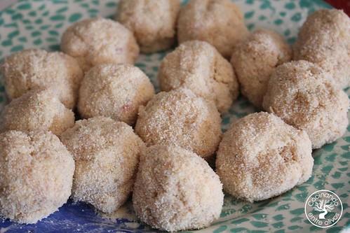Bolitas de pollo, queso y mostaza www.cocinandoentreolivos.com (12)