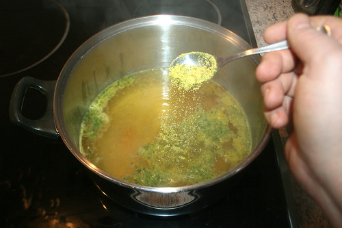 29 - Gemüsebrühe einstreuen / Add vegetable stock