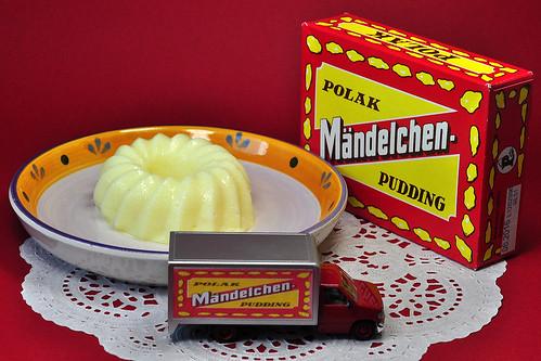 Pudding Mändelchen-Pudding Mandelpudding Foto Brigitte Stolle