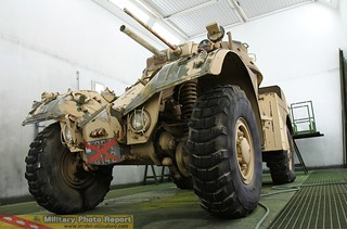 AML-60 en restauration au 8ème RMAT