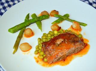 Beef & Pork Meatloaf, Streaky Bacon, Garden Peas, Asparagus, Silverskin Onion, Ale and Onion Gravy