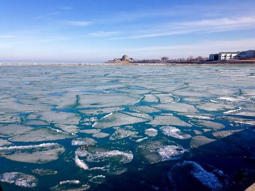 winter lake chicago ice day sunny lakemichigan lakeshore lakefront pw chiberia