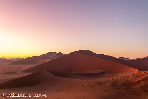 namibie na namibia afrique africa safari voyage travel sossusvlei dune désert desert sable sand aube dawn soleil sun hardapregion