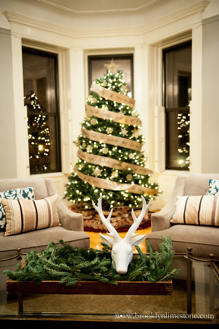 ChristmasLivingRoom_brooklynlimestone-2