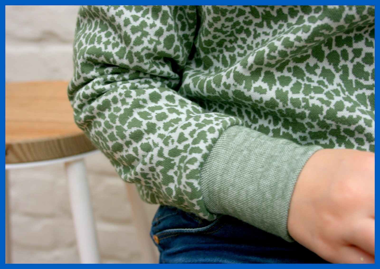 sweater x 3 (hoodie SVDHZ1 - sleeve)