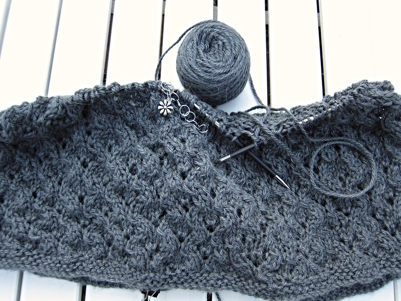 Knitting-2015-Jan-Cowl1